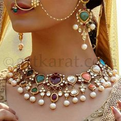 I would b really cautious about that nose ring. Dont touch me. Royal Jewelry, India Jewelry, Beaded Jewelry, Gold Jewelry, Trendy Jewelry, Fashion Jewelry, Indian Bridal Jewelry Sets, Bridal Jewellery, Jewelry Patterns