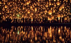 Yi Peng festival in Chiang Mai, Thailand - Hundreds of landern launched at the same time during the Yi Peng festival in Chiang Mai (Thailand)