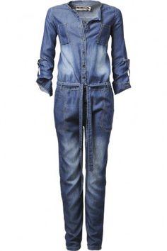★ Loving this denim jumpsuit! Denim Outfits, Casual Outfits, Cute Outfits, All Jeans, Love Jeans, Jeans Jumpsuit, Dungarees, Pants, Denim Jumper