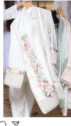 Pakistani Dresses Party, Punjabi Suits Party Wear, Party Wear Indian Dresses, Pakistani Dress Design, Pakistani Outfits, Bread Cones, Breakfast Kids, Velvet Dress Designs, Beautiful Dress Designs