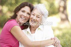 Femme senior avec adulte