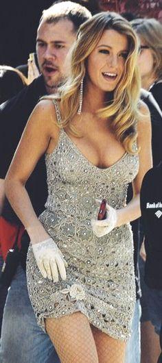 Blake on the sets of Gossip Girl 🖤🌟 . Mode Blake Lively, Blake Lively Style, Beautiful Celebrities, Beautiful Actresses, Gorgeous Women, Beautiful Body, Gossip Girl Fashion, Gossip Girls, Blake Lovely