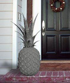 Easy To Grow Houseplants Clean the Air Decorative Stone Pineapple To Welcome You Home. Pineapple Kitchen, Pineapple Juice, Tropical, Plantation, Reno, Porch Decorating, My Dream Home, Garden Art, Home Accessories