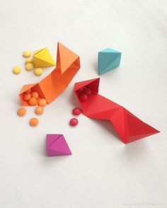 DIY origami party favor tutorial- Triangle origami folds into crafts
