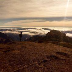 Qd a ft em si já diz td... Tem nem como descrever esse dia...... . . . . . . . . . . . #mothernature #green #teresópolis #paz #camping #explore #moveout #trilha #sunset #RJ #Brazil #montain #montanhismo #trilhando #sky #clouds #blue #trilhandotrilhas #getoutside #trilhandomontanhas #trip #traveler #instanature #natureza #climb #visiteteresopolis #trails #trippic