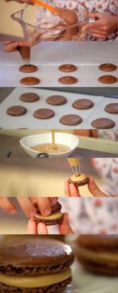 Cupcake Maniacs 11: Macarons de chocolate Cupcake Recipes, Dessert Recipes, Desserts, Cupcakes, Cupcake Cakes, Macarons, Deli Food, Macaron Recipe, Cookie Time