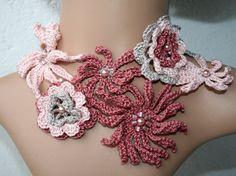 Crochet flowers necklace pure cotton light by KazamarieDesigns, €39.00