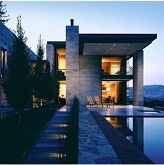 There's your modern house for you if the night!