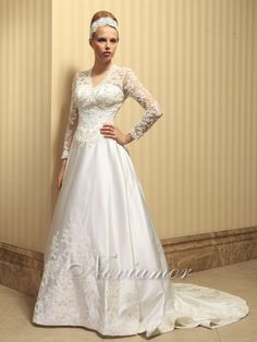 Beautiful long  sleeve lace wedding dress.