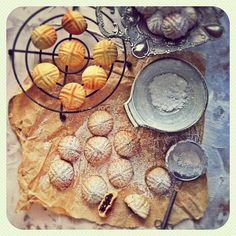 Maamoul | Middle Eastern Shortbread Cookies; via Pinot & Dita on flickr #baking #Easter