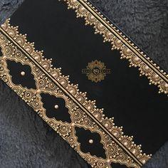 "255 curtidas, 10 comentários - Safiya (@mehndibysafiya) no Instagram: ""More diaries... #mehndi #mendhi #henna #mehndiart #mehndiartist #bridal #bridalhenna #bridalmehndi…"""