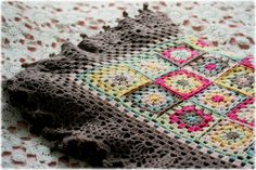 Coco Rose Diaries: Evening Sun Blanket {LOVE the colors and the extra wide lacy border!}