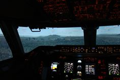 Unsere Boeing 747-400 im Anflug auf Las Vegas! Wohin möchtest du mal mit ihr fliegen? #lasvegas #stmaarten #karibik #carribian #fliegen #flightodrom #boeing747 #cockpit #stuttgart #flugsimulator #flugzeug #flusi #fsx #fsx_pictures #fsx_pics #flugsimulatorstuttgart #instapic #instapilot #instagramaviation #pilot #pilotlife #selberfliegen #selberfliegenistgeil #geschenk #idee #action #germany #nature #landscape
