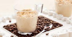 Úgy feldob ez a krémes desszert, mint egy frissen főzött kávé, ráadásul nagyon gyorsan elkészül. Café Low Carb, Galletas Amaretti, Cheesecake Au Café, Dessert Mousse, Coffee Time, Glass Of Milk, Panna Cotta, Pudding, Sugar