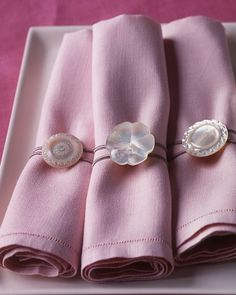 button, button, who's got the button?  these nifty napkin rings, that's who!  and they are completely adorable.