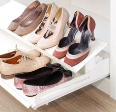 Handy accessories for organised shoe storage. Shoe shelf for Extendo Living Room Units, Shoe Storage, Dressing Room, Shoe Rack, Shelves, Elegant, Google, Accessories, Classy
