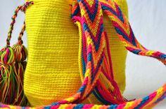WAYUU BAG – Mini Mochila. Handwoven by a woman from the Wayuu Tribe. Yellow & Osonushi. www.colombiart.co