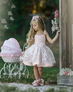 Little Girl Outfits, Little Girl Fashion, Kids Outfits, Kids Fashion, Cute Dresses, Vintage Dresses, Flower Girl Dresses, Kid Dresses, Beautiful Little Girls