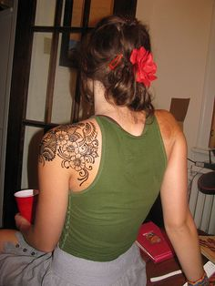 Shoulder Peacock & Flower Henna- Henna Party by Volcano Henna, via Flickr