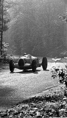 thelionheartgallery.com Louis Klemantaski The Donington Grand Prix; Donington, October 2, 1937