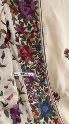 Embroidery On Kurtis, Kurti Embroidery Design, Indian Embroidery, Hand Embroidery, Leg Mehndi, Legs Mehndi Design, Mehndi Designs, Indian Fashion Dresses, Indian Outfits