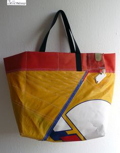 Bag made of the top of an old surfsail. Now available at DaWanda for €39,95!