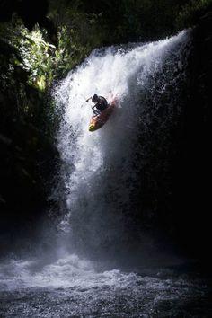 Whitewater Kayak Tips Whitewater kayaking. A kayak goes over the steep part. Got to wonder why waterfalls, right? Kayak Paddle, Canoe And Kayak, Kayak Fishing, White Water Kayak, Kayaking Tips, Whitewater Kayaking, Canoeing, Outdoor Life, The Great Outdoors
