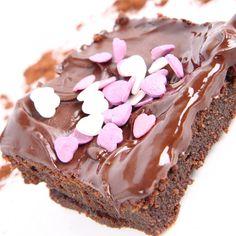 This milk chocolate brownie recipe uses milk chocolate for the brownie and for the ganache.. Milk Chocolate Brownie Recipe from Grandmothers Kitchen.