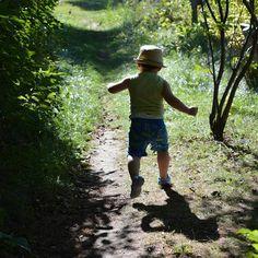 #runner #running #fast #toddler #race #outdoors #brantford #ontario #canada #grandriver #trail #naure #hiking #outdoors #sunny