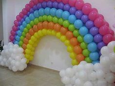arco iris de bolas - Pesquisa Google Rainbow Party Decorations, Balloon Decorations, Birthday Decorations, My Little Pony Party, Rainbow Birthday Party, Unicorn Birthday Parties, Rainbow Balloon Arch, Care Bear Party, Archway Decor
