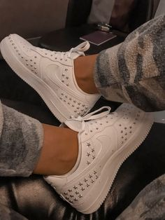 Spread the love Great Women Sneakers from 36 of the Dizzy Women Sneakers collection is the most trending shoes fashion this winter. This Women Sneakers look related to shoes, sneakers, nike and… Women's Shoes, Me Too Shoes, Nike Shoes, Shoes Sneakers, Star Shoes, Shoes Style, Crazy Shoes, Sneakers Fashion, Fashion Shoes