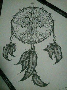 Um desenho diferente para dreamcatcher, apesar de um desenho de raiz celta e outro nativo-americano... Mas funciona.