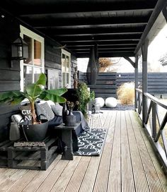 doors with louvers and line them up against the fence on the side you intend to cover. . #terracegardenlandscapingideas Veranda Ideas, Outdoor Areas, Outdoor Rooms, Outdoor Decor, Outdoor Living, Patio Interior, Room Interior, Interior Design, Hanging Plants