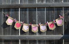 Coeur rose et rouge toile de jute Valentin par TheTurquoiseTrain