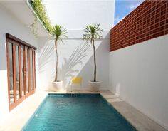 W Park Residence (Contemporary Tropical House)