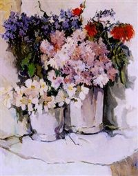 Stilleven met twee emmers waarin bonte bloemen by Dick Ket