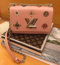 Louis Vuitton Handbag @vibrantluxuries • 390 likes