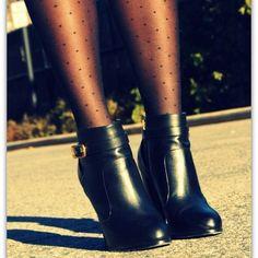 HUE polka dot tights