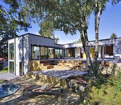 "188 gilla-markeringar, 4 kommentarer - HENRIK SCHULZ STUDIO (@henrik_schulz_studio) på Instagram: ""Gillade du inredningen i Villa Clavenstam vi la ut i tisdags? Här kommer Villan i sin helhet.…"" House Landscape, Beautiful Space, Outdoor Spaces, Building A House, House Plans, Villa, New Homes, House Design, House Styles"