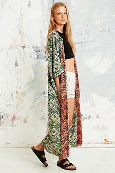 Urban Outfitters - Native Rose Floral Maxi Kimono in Green - £60.00
