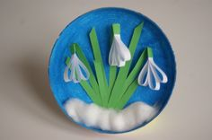 Snowdrops with stripes of paper spatial art work for children Snow . - Basteln Frühling - Welcome Crafts Spring Crafts For Kids, Paper Crafts For Kids, Easter Crafts, Diy For Kids, Diy And Crafts, Arts And Crafts, Children Crafts, Art Children, Craft Kids
