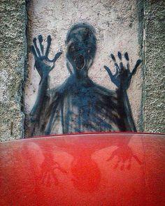 Calle del Olmo. Grafiti de ZE.