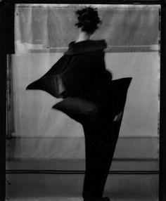 ☽ Sarah Moon ☾ French Photographer - for Issey Miyake. Sarah Moon, Issey Miyake, Moon Photography, Fashion Photography, Monochrome, Photo Polaroid, Foto Art, French Photographers, Manado