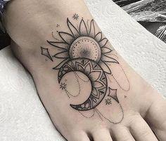 Tattoos Moon tattoo on foot Tatuagem da lua a pé repost figura <-> Music Tattoo Designs, Moon Tattoo Designs, Best Tattoo Designs, Flower Tattoo Designs, Tattoo Designs For Women, Ankle Tattoos For Women, Tattoos For Women Flowers, Sunflower Foot Tattoos, Cute Foot Tattoos