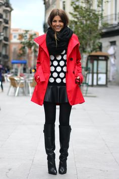 Fall / winter - street & chic style - polka dot sweater + black flared leather mini skirt + thights + black heeled knee boots + red trench coat + scarf