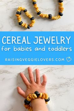 Teething babies are always looking for something to chew on. This is a fun and easy way for them to have access to snacks at all times! It is also a great way for them to practice their fine motor skills. #toddlersnack #babysnack #ediblejewelry #cereal #healthysnack #funfoodforkids #teethingideas