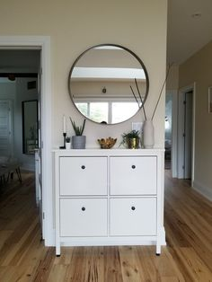 Flur ideen Ikea Hemnes shoe cabinet and display How To Choose The Right Faucet Today's faucets do mo Ikea Hemnes Shoe Cabinet, Shoe Cabinet Entryway, Hallway Decorating, Living Room Decor, Sweet Home, New Homes, House Design, Interior Design, Decoration