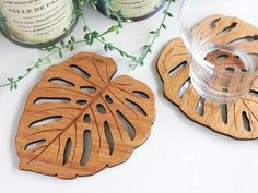 Wood Coaster [Monstera] BIG - Tanaka Crafts - Coasters - Pinkoi - a lifestyle with good designs Wood Laser Cutter Ideas, Laser Cutter Projects, Laser Cut Wood, Laser Cutting, Laser Art, Woodworking Shop, Woodworking Projects, Woodworking Chisels, 3d Laser Printer