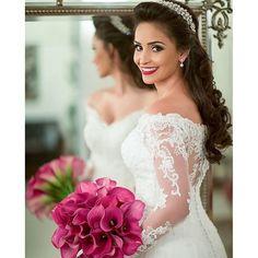 Bom dia! Uma noiva diva diretamente do @relicariocasar!! Bela inspiração para noivinhas que ...