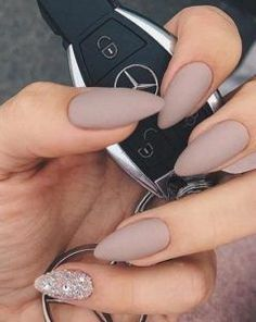 Do you like stiletto nails but think they're too sharp? Maybe almond nails are your best choice. Almond nails are Colorful Nail, Simple Nail Designs, Nail Art Designs, Pink Nails, Gel Nails, Matte Nails, Dark Nude Nails, Color Nails, Fancy Nails